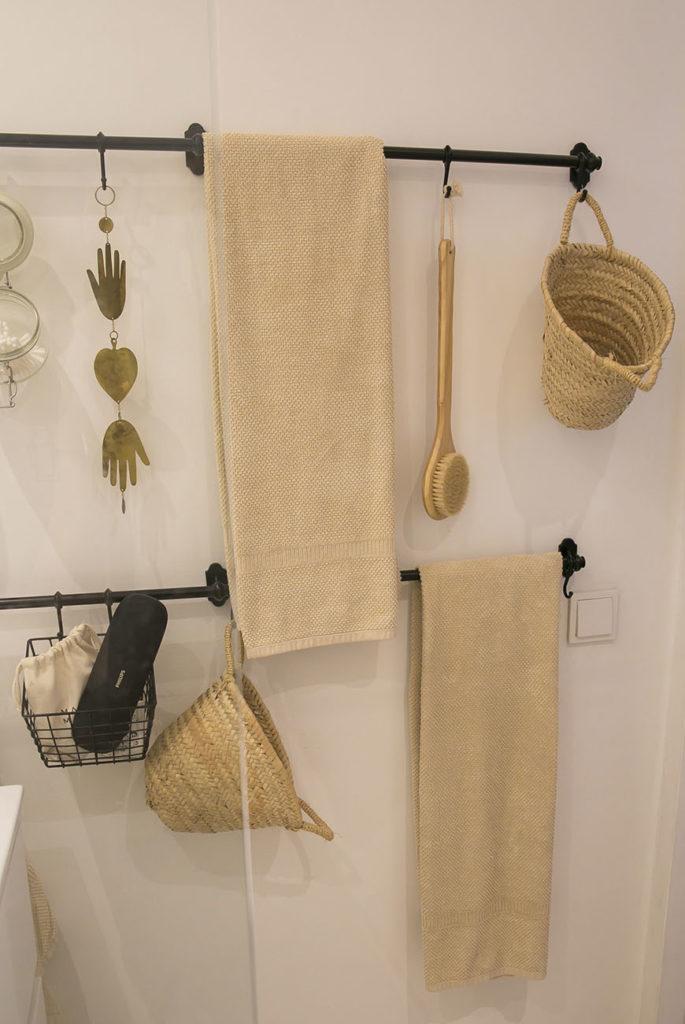 Badkamertour: chic vol messing en natuurlijke materialen