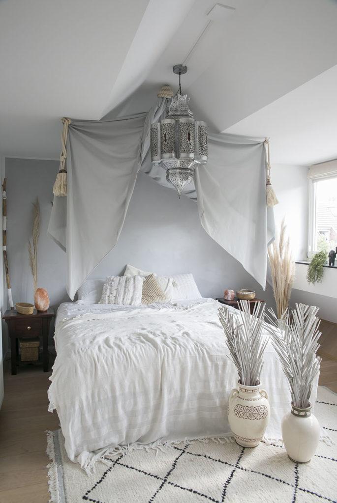 Een dromerige hemel in de slaapkamer? Maak het zelf!